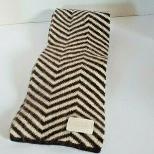 Coach Signature Striped Chevron Knitted Scarf
